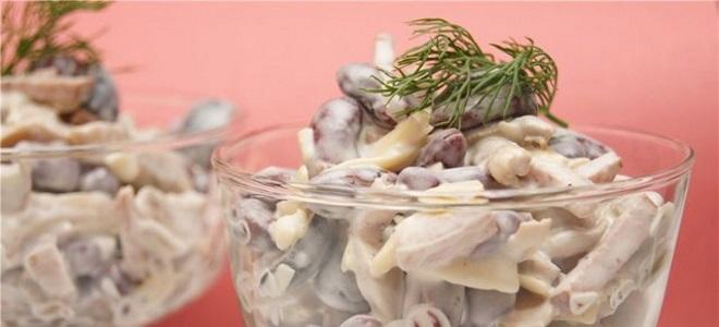 салат с фасолью и шампиньонами и колбасой