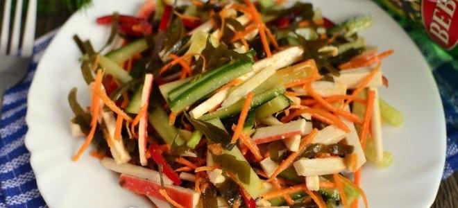 Салат с консервированным кальмаром и крабовыми палочками рецепт