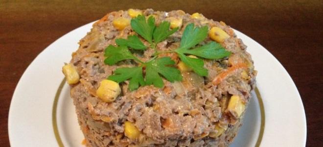 салат с печенью говяжьей и кукурузой