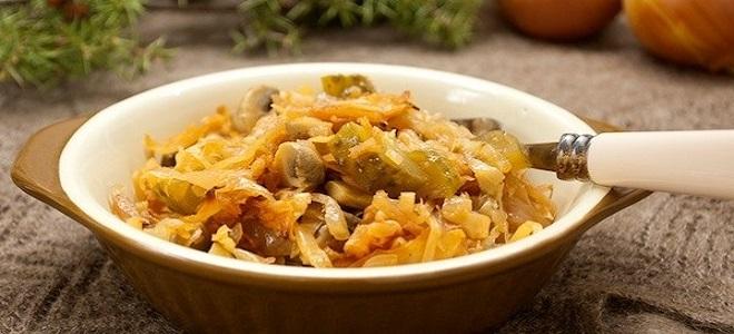 Солянка с грибами и квашеной капустой - рецепт