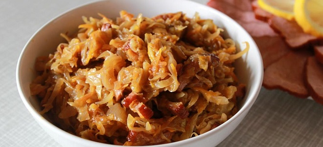 Солянка с капустой и сушеными грибами - рецепт