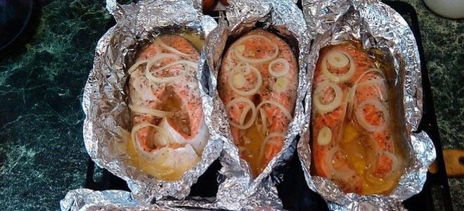 Стейк из форели в духовке рецепт в фольге с картошкой