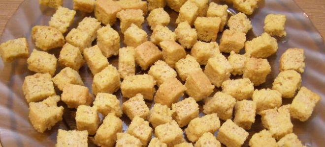 Сухарики из белого хлеба в микроволновке
