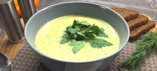 Суп-пюре из брокколи с плавленным сыром