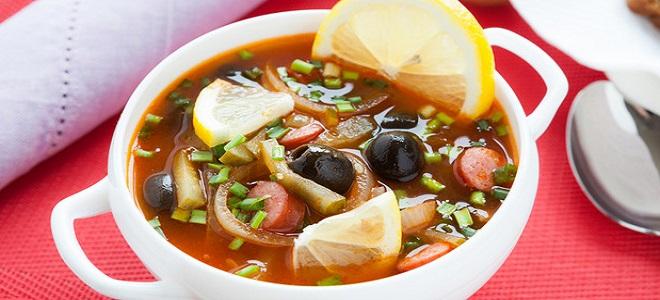 Суп-солянка с колбасой - рецепт