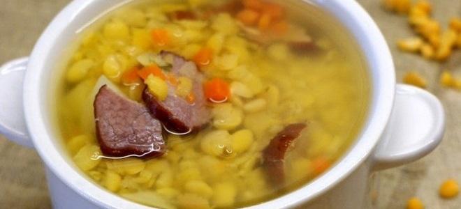 суп гороховый с говядиной и копченостями