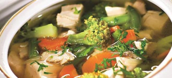 суп из индейки брокколи и зеленого горошка