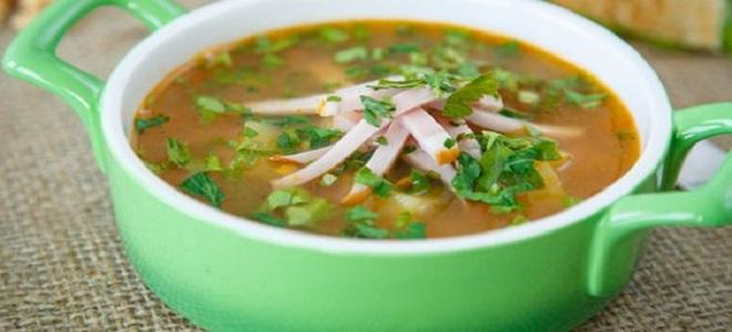 Суп из свежего зеленого горошка