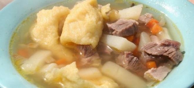 Суп из свиной косточки с галушками