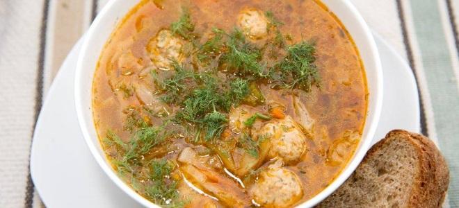 суп с фрикадельками и квашеной капустой