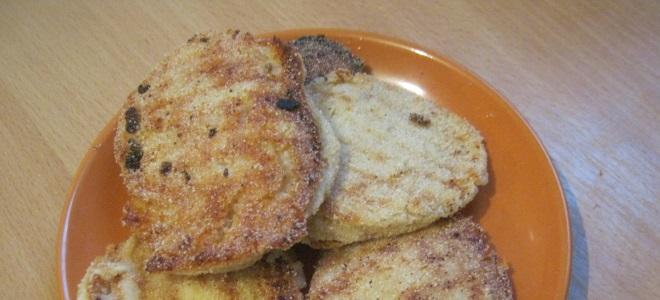 сырники из творога с манкой и изюмом