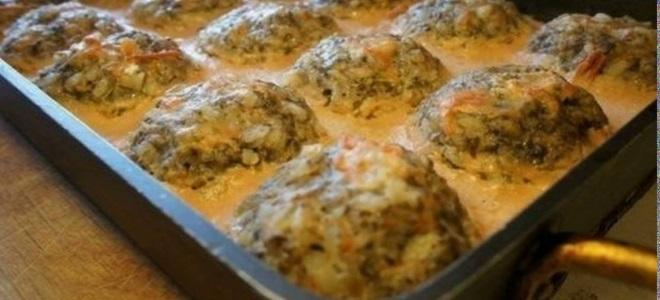 тефтели в духовке в сметанном соусе рецепт