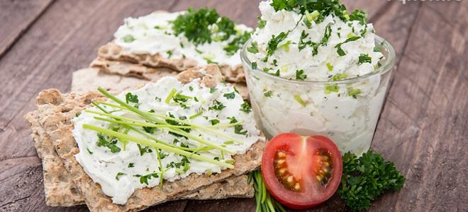 Салат творожный с зеленью