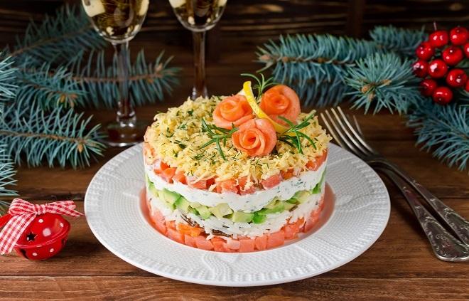 украшение салатов с рыбой на новый год
