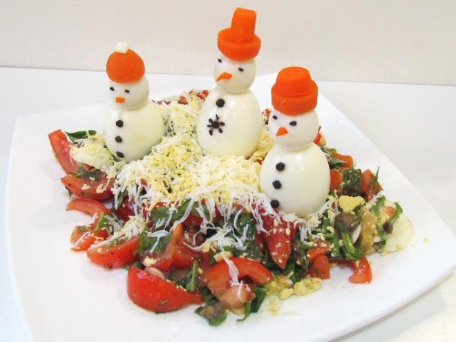 украшение салатов яйцами на новый год