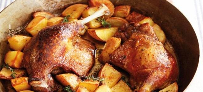 утиные окорочка в духовке с картошкой рецепт