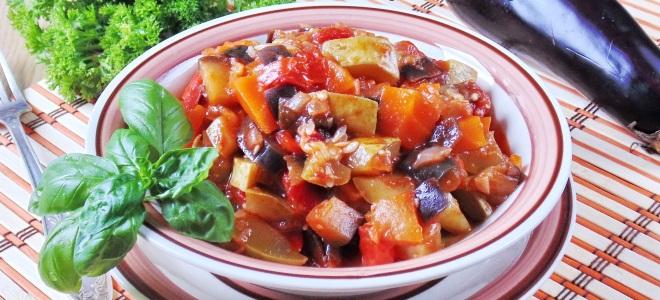 вкусное овощное рагу с кабачками и баклажанами