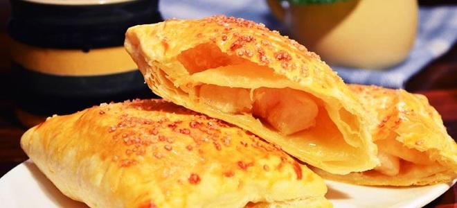 яблоки запеченные в слоеном тесте в духовке