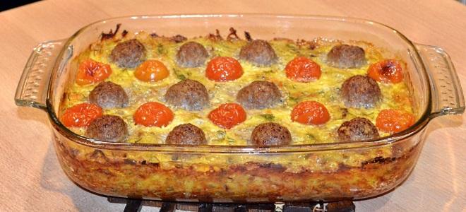 Запеканка с фаршем картошкой и помидорами
