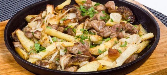 картошка со свининой на сковороде тушеная