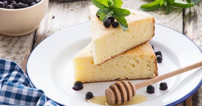 Творожная запеканка – классический рецепт, с манкой, изюмом, бананом, клубникой и другие рецепты