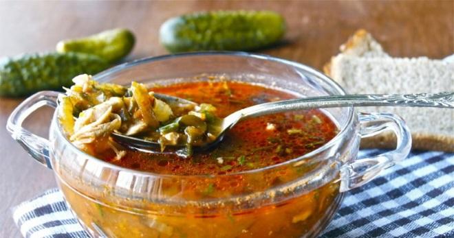Рассольник с перловкой и солеными огурцами – рецепт с курицей, свининой, маслинами, почками, рыбой и грибами