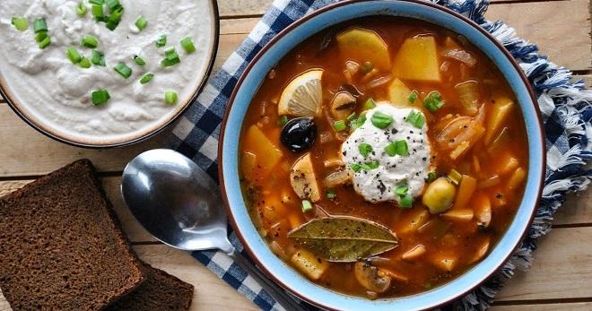 Солянка – рецепты вкуснейшего наваристого супа и пикантного горячего блюда