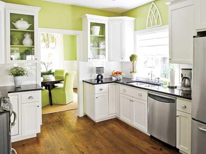 на кухне зеленые обои фото
