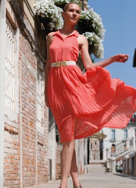 Коралловое платье