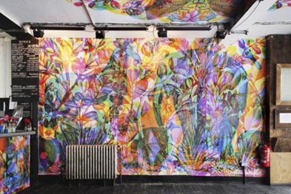 Рисунки на стене в квартире своими руками абстракция