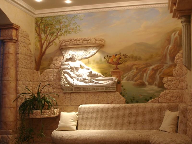 Барельефы в интерьере гостиной