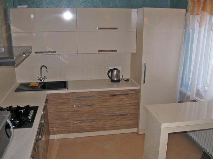 фото глянцевых кухонь с рисунками