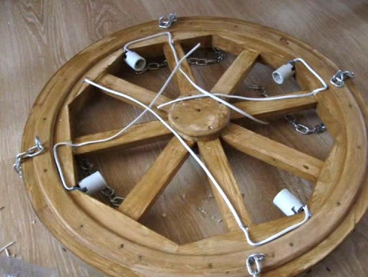 Люстра колесо своими руками фото