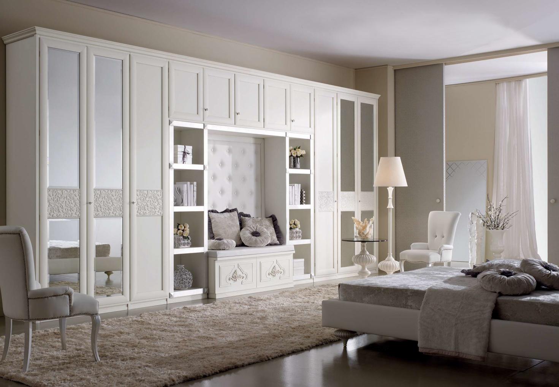 Мебель - стенки.