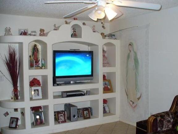 Как сделать полочки из гипсокартона под телевизор