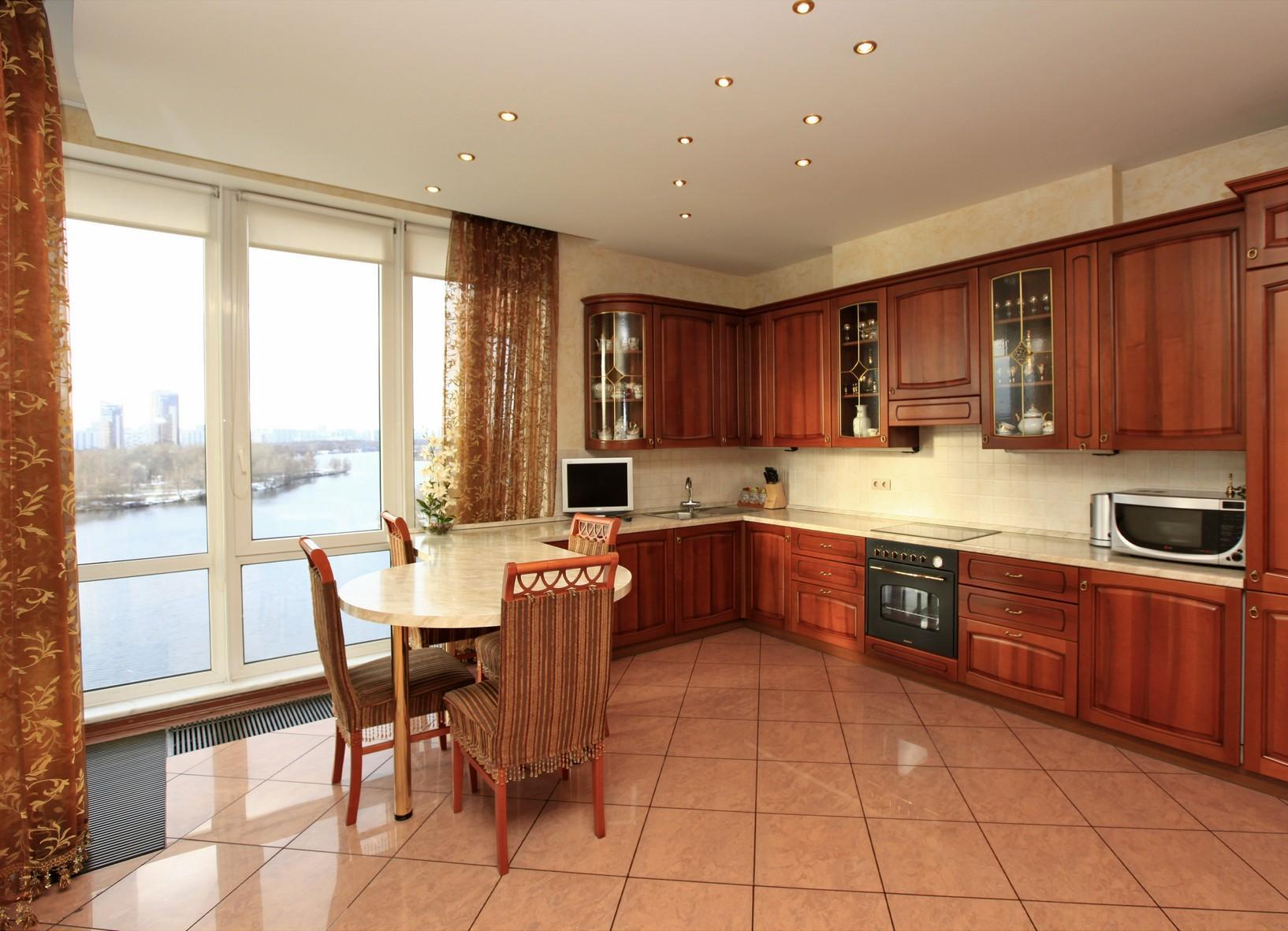 Панорамные кухни