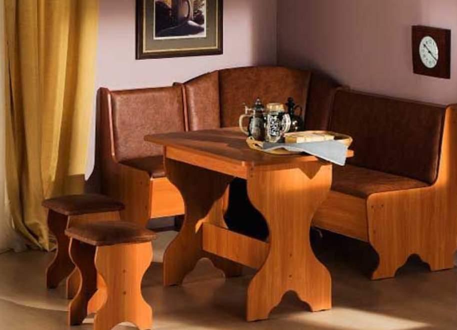 Продам уголок кожа белый жемчуг. НОВИЙ Мягкий уголок на кухню(стол розкладной, 2 стула и сам уголок