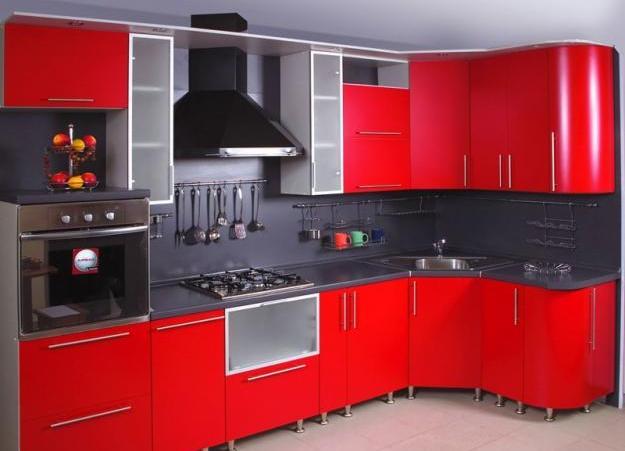 Преимущества угловых кухонных гарнитуров