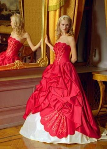 Свадебное платье красное, белое