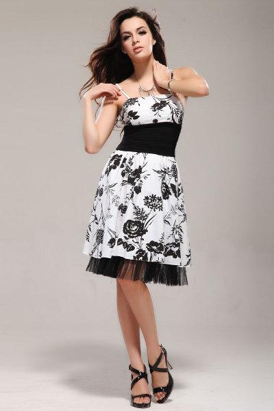 Платье черное с белыми цветами