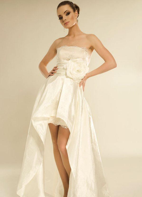 фото платья со шлейфом: