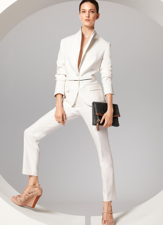 Фото девок в белых прозрачных брюках 29 фотография