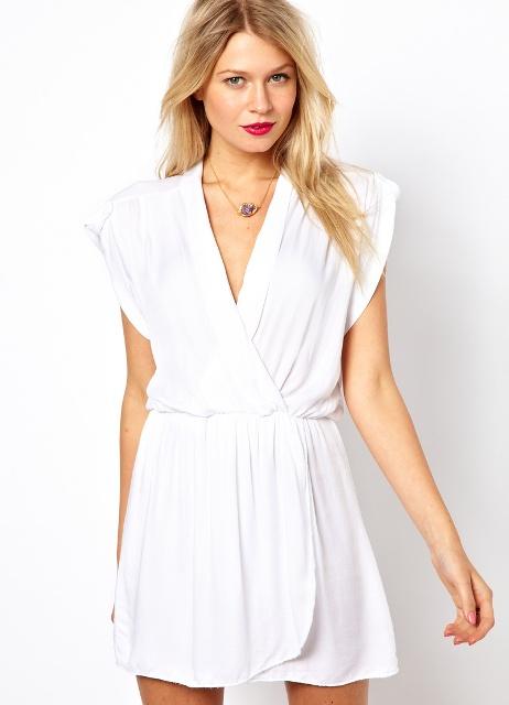 Белые платья с запахом