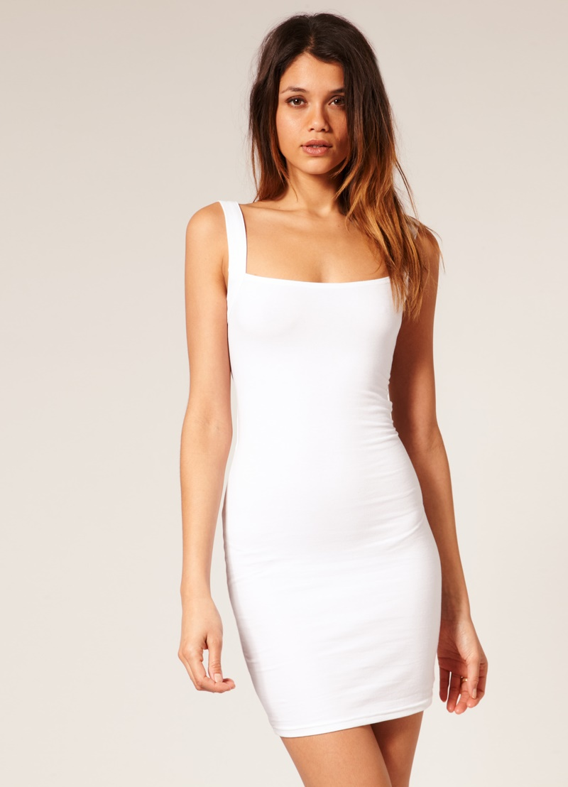 Короткие вечерние белые платья