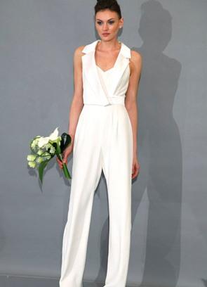 Свадебный белый брючный костюм женский