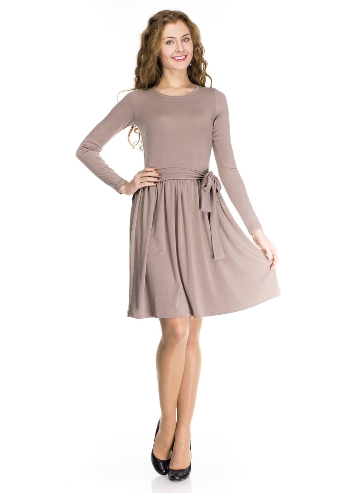 Платье для полных, которое скрадывает лишние килограммы, стройнит и позволит хозяйке
