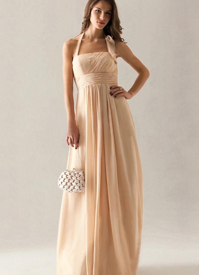 Шикарное бежевое платье