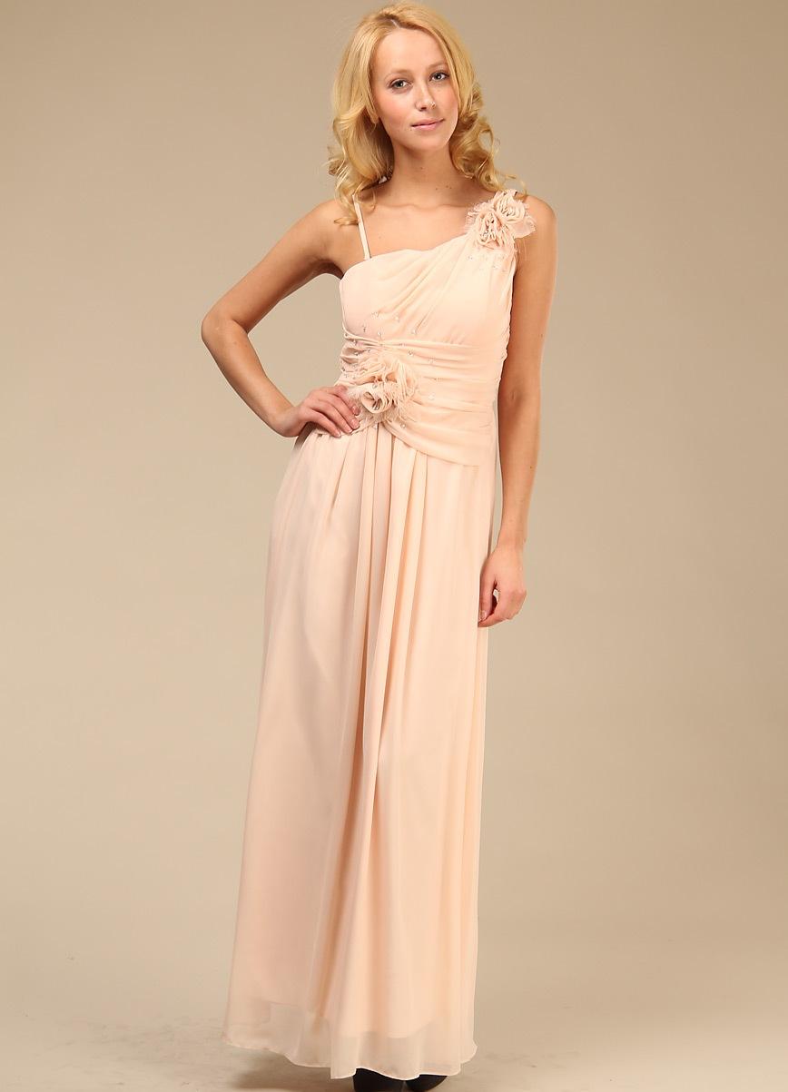 Длинное телесное платье