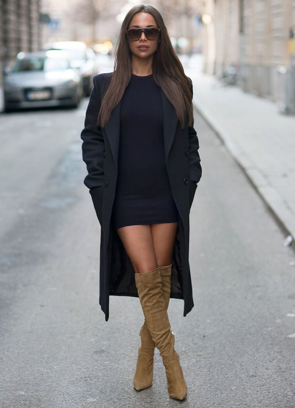 С чем носить платье чуть выше колена