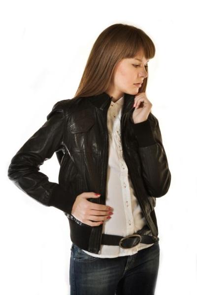 куртка женская черная кожаная фото
